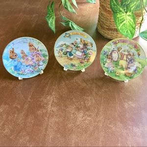 "Avon 22K Trim 6"" 1990's Easter Plates Collectibles"